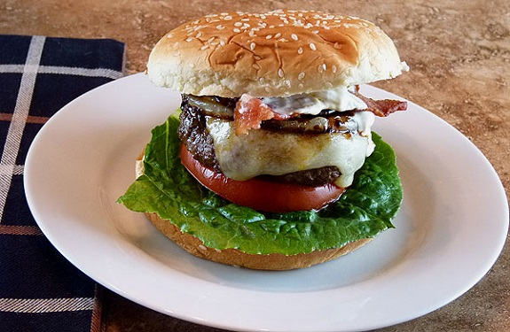 bacon, burgers, Foodie, jalapeno, Jalapeno Bacon Burger, Recipe