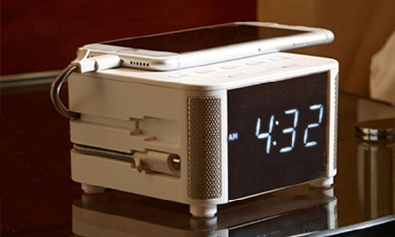 Kube clock, Bluetooth, QI charging, alarm clock, hotels, music