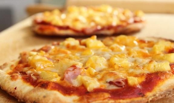 easy, Foodie, ham, Mangia, pineapple, pizza, Recipe