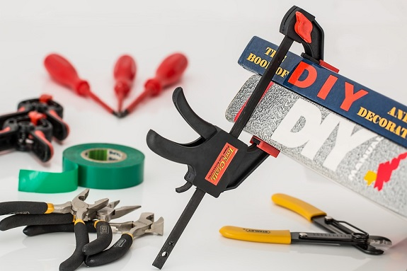 DIY, safety, foodwear, eyewear, tips, focus, dangers
