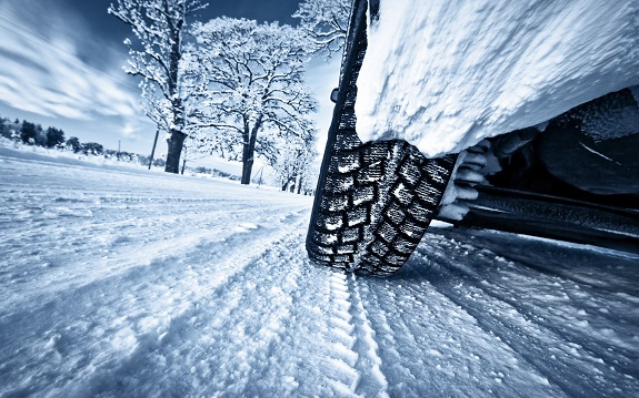 snow, snow chains, winter, car, Source windscreen fluid, wipers, battery, warm clothes,