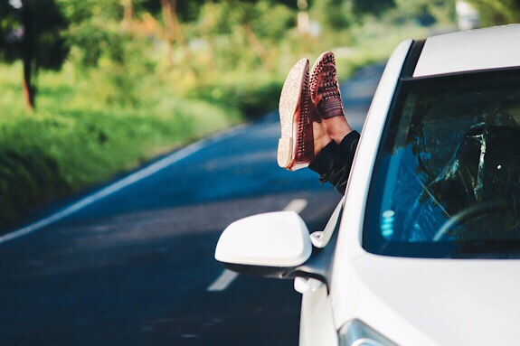Anyone who is anyone dreams of taking a road trip. Grabbing a group of friends, packing up the car and sticking on some amazing tunes is the dream. The freedom. The space. The desire to go wherever you want to go in the country is right out in front of you. All you need to do is choose where to go. Oh, and you need to work out a way to avoid being bored.