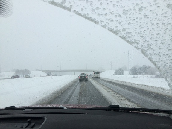 winter, road trip, safety, traffic, tips, weather, tires, windscreen, dash cam, insurance, auto insurance,