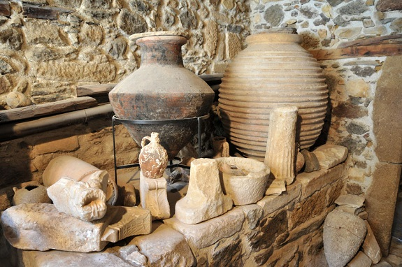 wine, history, ancient times, wild grapes, clay jars,