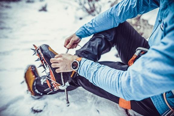 Coros, GPS, watch, tracking, wearables, sports, running, cycling, climbing, VERTIX