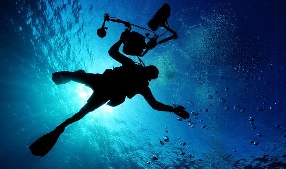 scuba, PADI, regulator, weather, seasickness, divig, breginner, tips, learn, school, hobby, safety, swimming,
