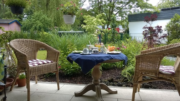 garden, cleaning, outdoors, patio, patio furniture, gardening