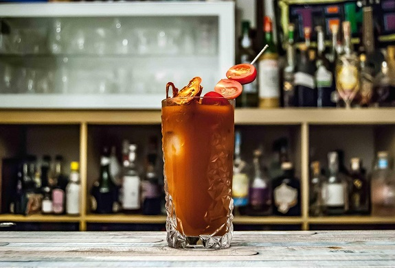 Healthy Alcoholic Drinks, Alcoholic Drinks, Light Beer, tequila, vodka, gin, white rum, Virgin Mojito, Amaretto Sour, Champagne, Red Wine, Frozen Margarita, Sea Breeze, Bloody Mary