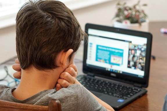 In the lives of our children, there has always been technology and the internet. Therefore, they do not approach their interaction online with due care. They see only a screen that reacts to their footsteps, ignoring the dangers in their online navigation.