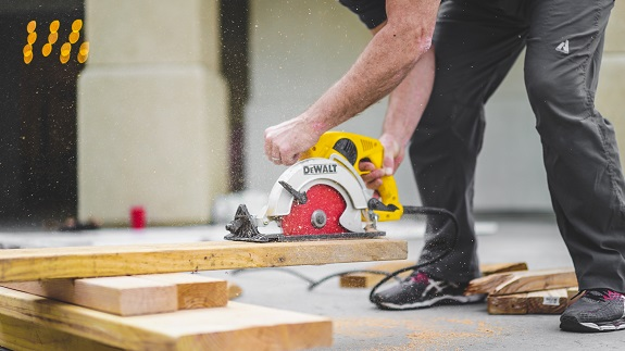 When moving into a new home and beginning to remodel the property, credit card bills, to-do lists, and DIY projects can begin to stack up and feel overwhelming. It's easy to get in over your head and begin to make costly mistakes that can not only waste time, but also cause damage to your new home and wallet. Avoid these common mistakes to ensure your home remodeling projects go smoothly and you're able to enjoy your space as soon possible.
