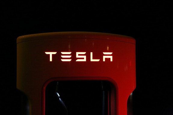 Tesla is one of the most talked-about car manufacturers in the world. A lot of this is down to its whacky owner, Elon Musk. People seem to like him, largely thanks to his strange demeanor and down-to-earth nature. Still, the cars themselves have attracted loads of attention, particularly the Model S and the Model 3. But, what is it about these cars that makes them so popular and desirable? Well, let's find out!