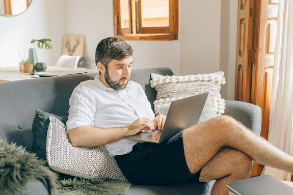 It's a difficult question, but not an impossible one. If you work from home or are considering making the switch, it may be helpful to know how much you're saving by working at home. And no matter what your salary is, these savings can add up over time. Read on to find out how much you are saving working from home.